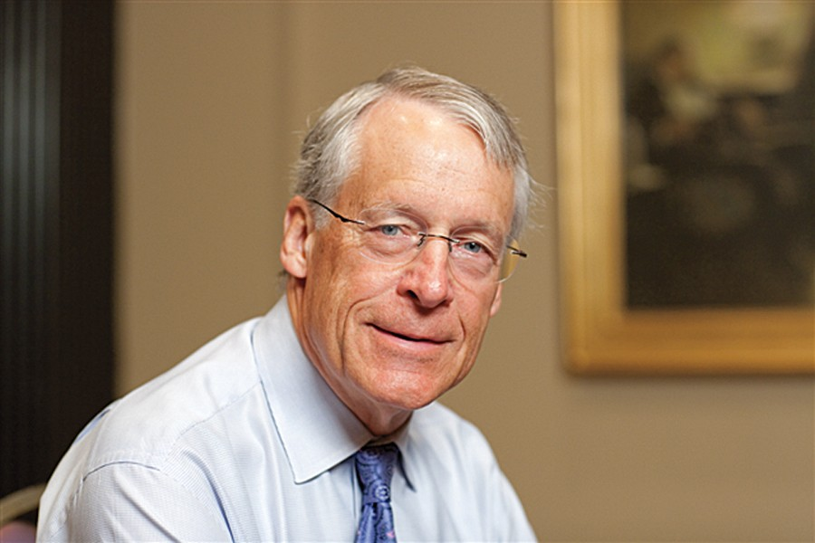What is S Robson Walton's net worth?