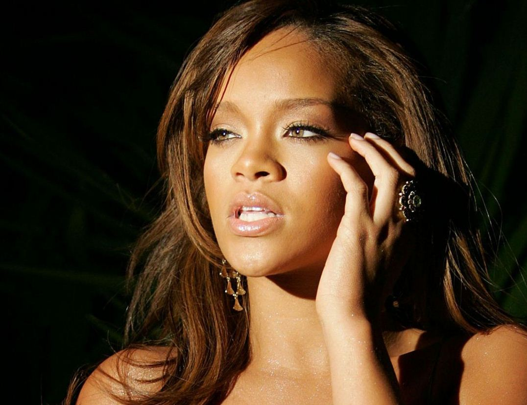 Rihanna Net Worth | Celebrity Net Worth Rihanna
