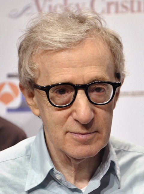 The 81-year old son of father Martin Konigsberg and mother Nettie , 165 cm tall Woody Allen in 2017 photo