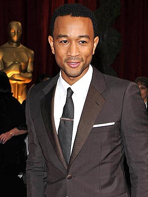The 38-year old son of father Ronald Stephens and mother Phyllis Stephens, 175 cm tall John Legend in 2017 photo