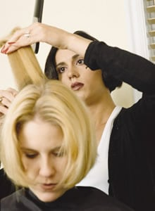 How much does a cosmetologist make?