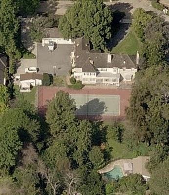 photo: house/residence of funny 45 million earning Toluca Lake-resident
