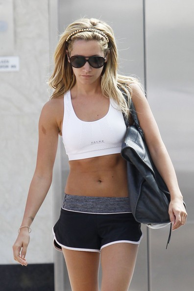Ashley Tisdale wearing Lululemon
