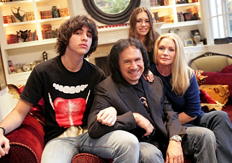 Gene Simmons and Shannon Tweed on Family Jewels