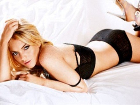 Playboy magazine has paid Lindsay Lohan $1 million to pose nude