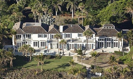 Tiger Woods ex-wife Elin Nordegren has bought a $12 million mansion in North Palm Beach, Florida.