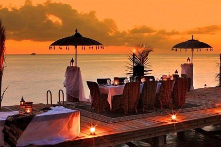 Outdoor dining at the Musha Cay island resort.