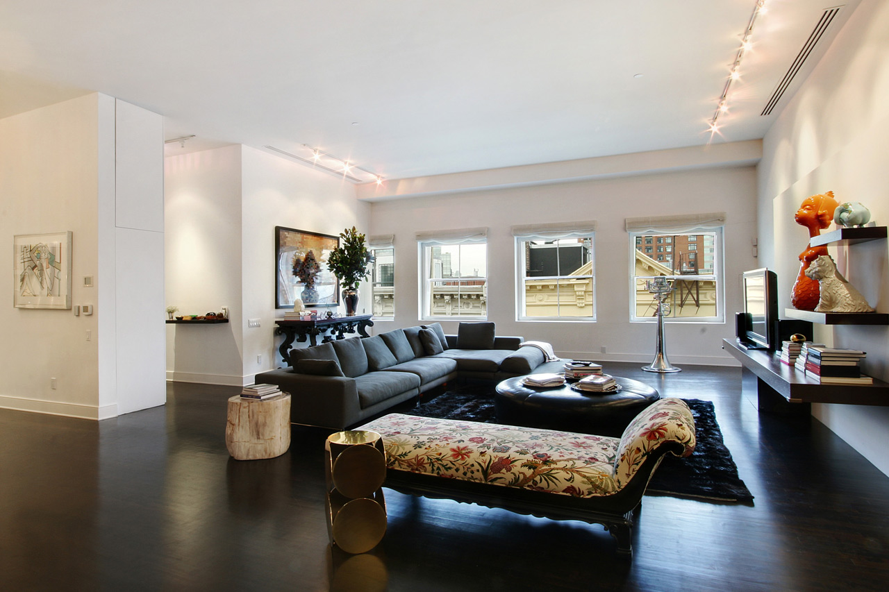 Daniel craig buys penthouse in new york for 11 5 million for Living room nyc