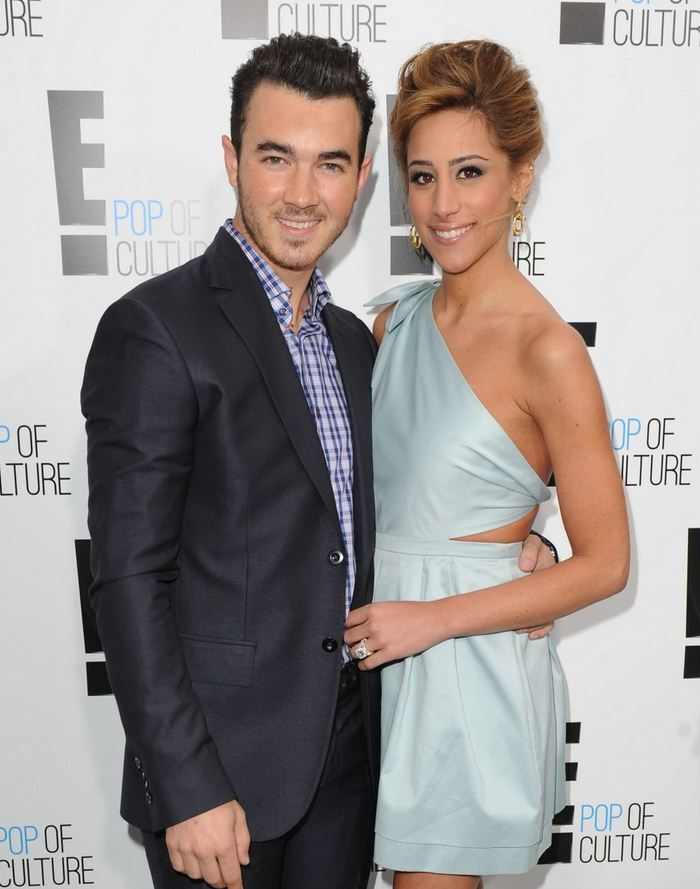 Danielle Jonas Net Worth
