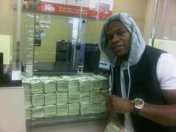Floyd Mayweather with $2 Million Cash