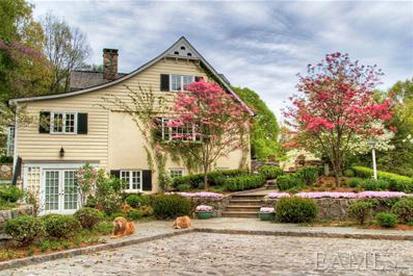 photo: house/residence of beautiful 8 million earning Westchester, NY, USA-resident