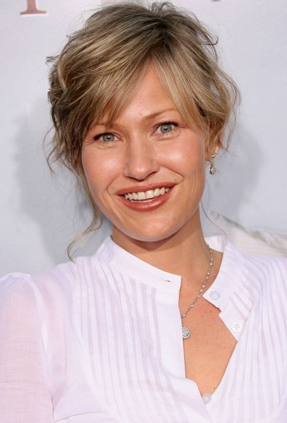Download this Joey Lauren Adams Worth picture