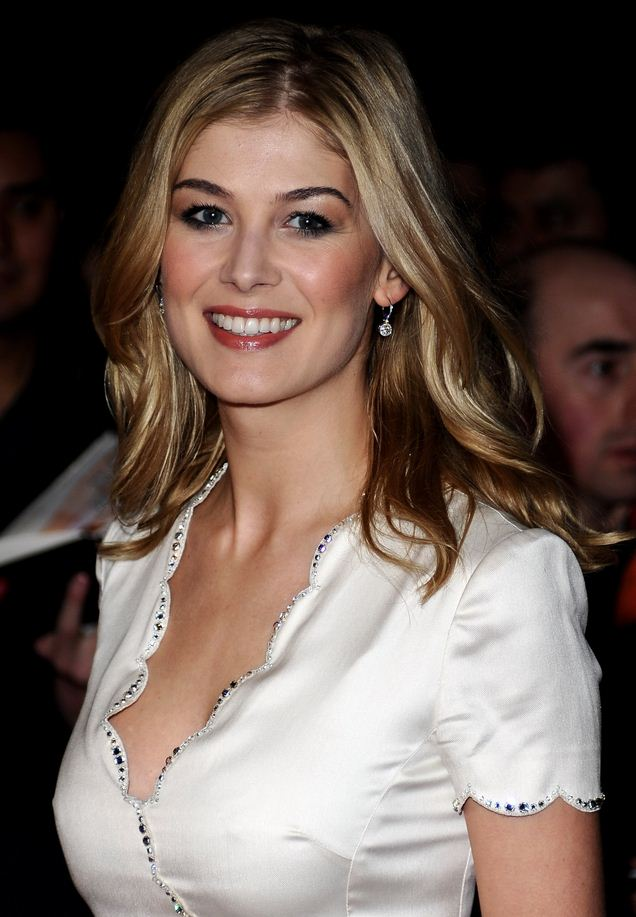 Rosamund Pike Hot