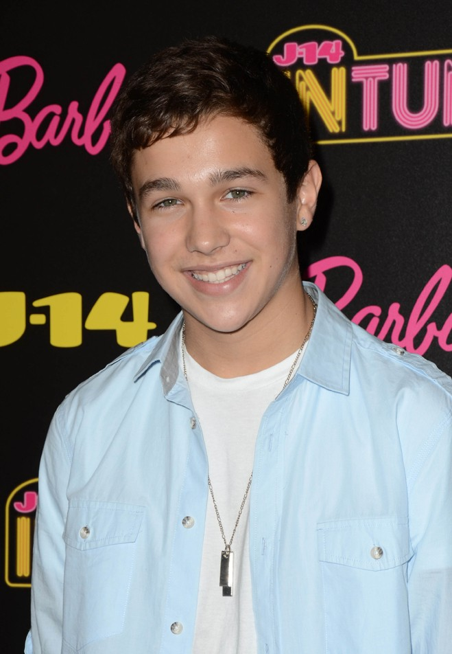 Austin Mahone blue shirt