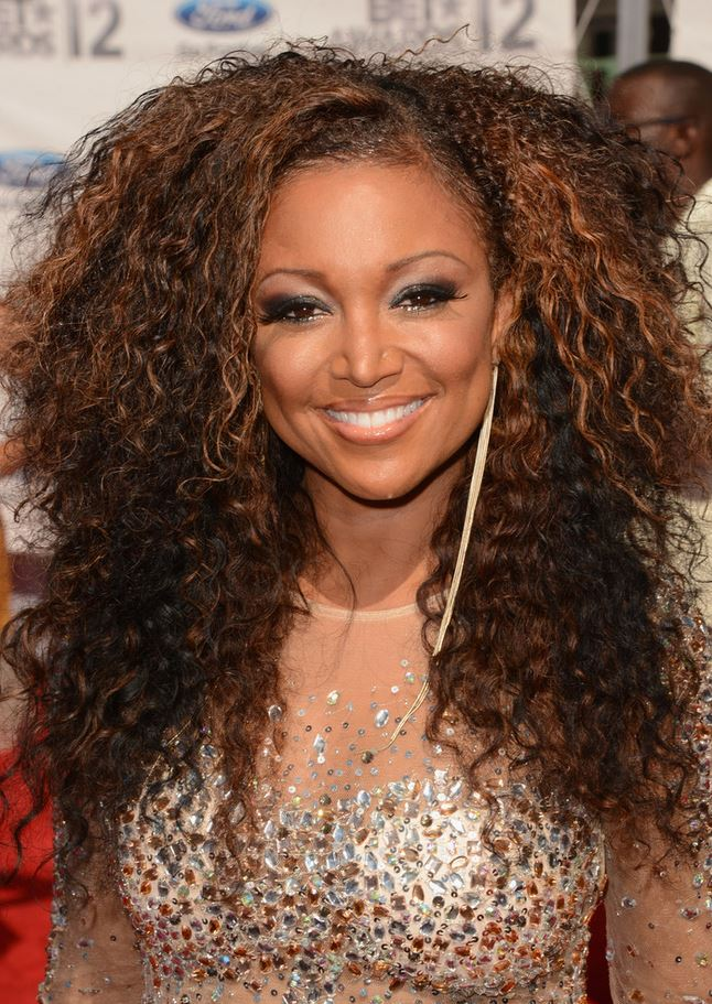 Chante Moore red carpet