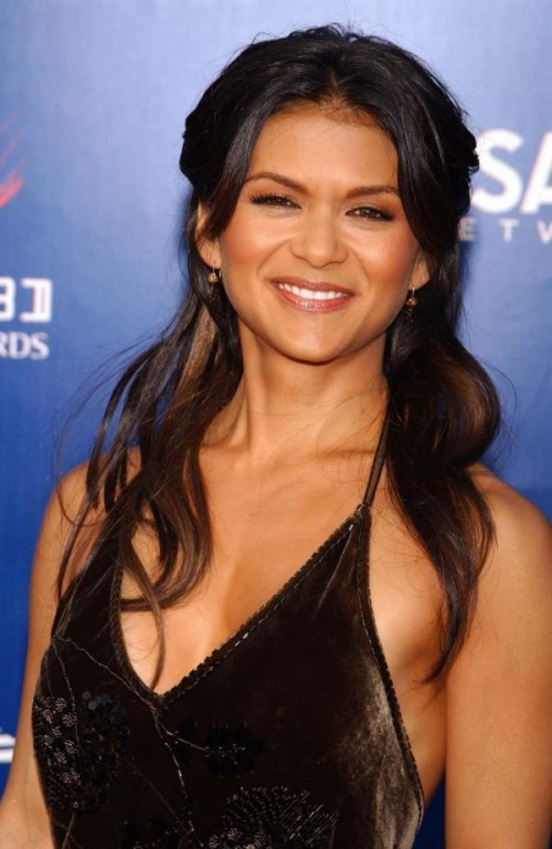 Nia Peeples black dress