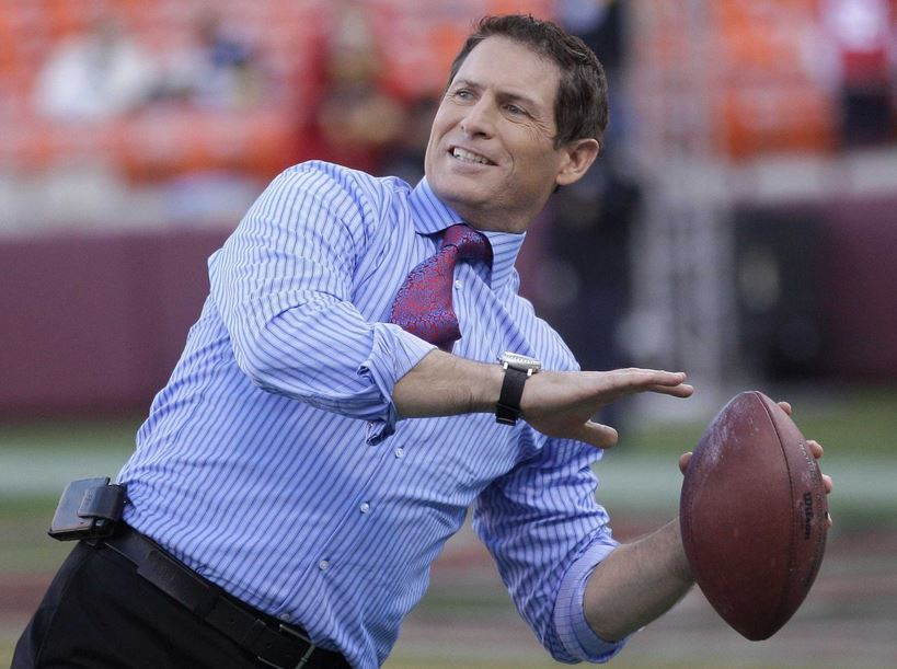 Steve Young Throwing