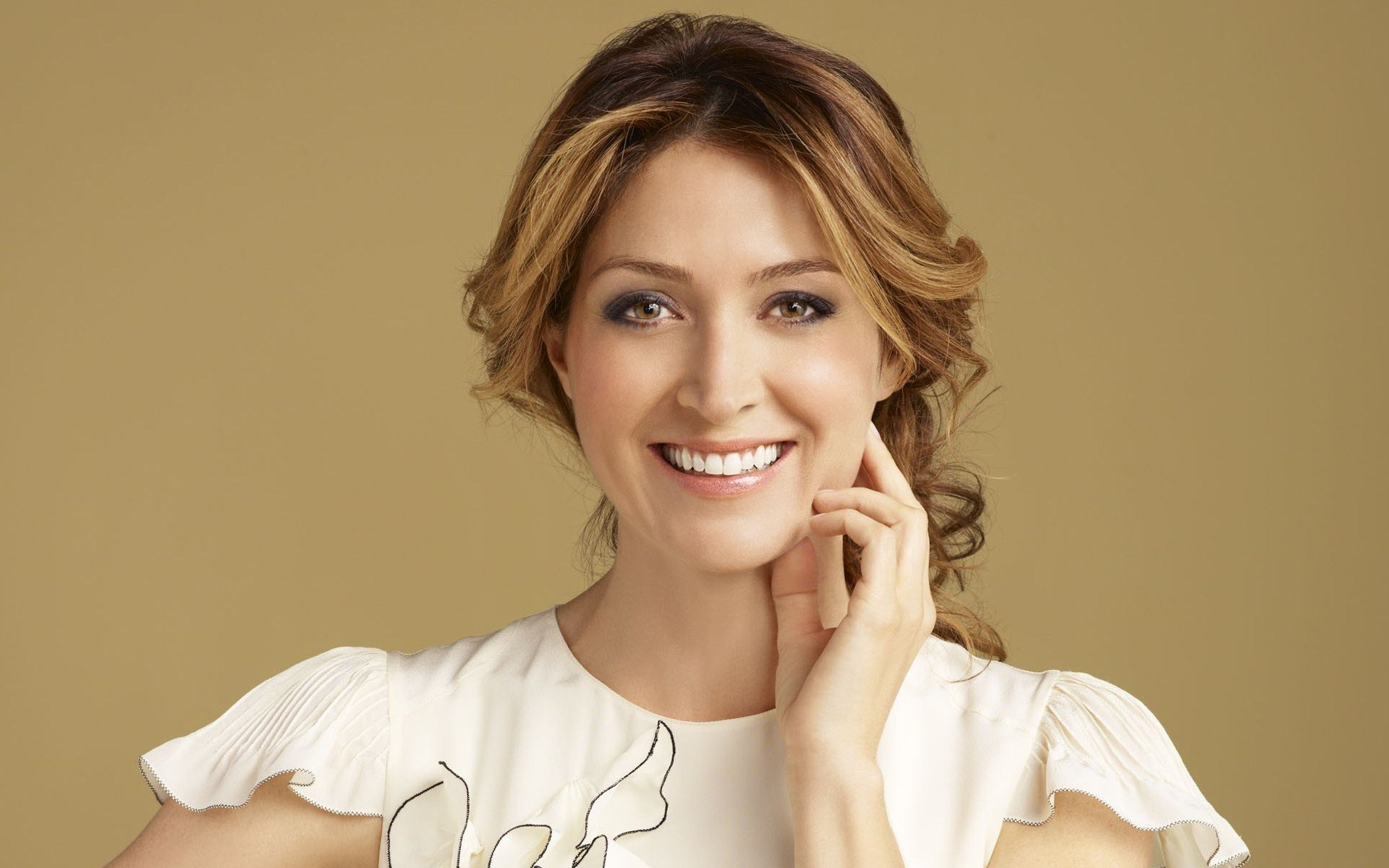 Download this Sasha Alexander picture