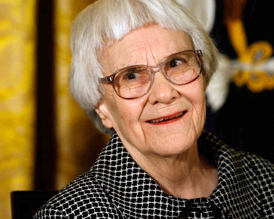 The 91-year old daughter of father Frances Cunningham Finch and mother Amasa Coleman Lee, 162 cm tall Harper Lee in 2017 photo