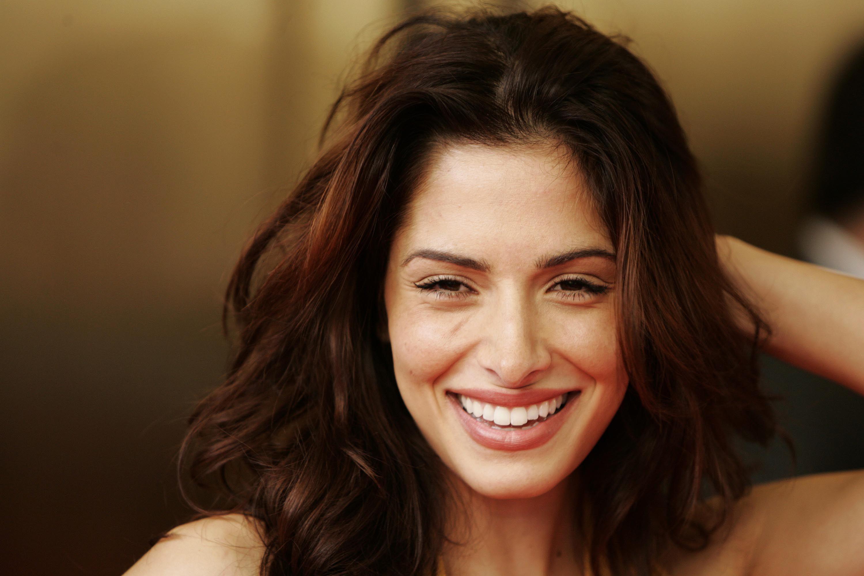 Sarah shahi net worth celebrity net worth