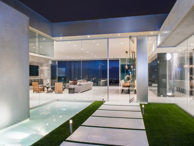 Winklevoss Twins Want To Rent You There Hollywood Mansion for $150K A ...