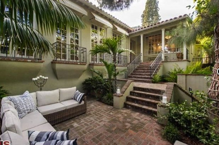 Jodie Foster's House:  The Academy Award Winning Actress Is Leaving the Hollywood Hills