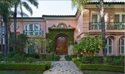 Christina Aguilera's Home: Rebooting Her Career and Unloading a $13.5 Million Mansion