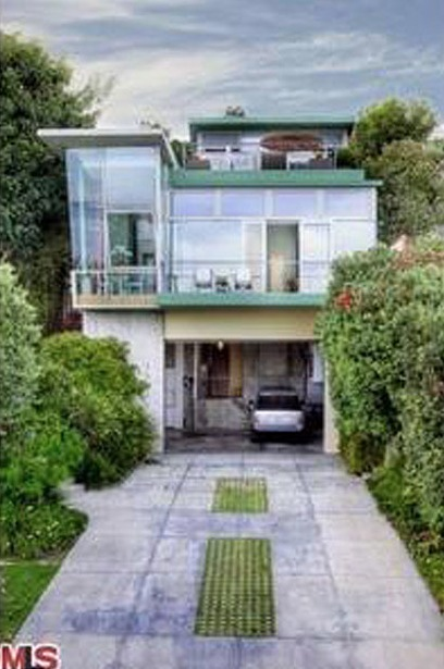 Kristen Stewart's House:  When You Get Dragged Thru the Mud, Go Live By the Ocean