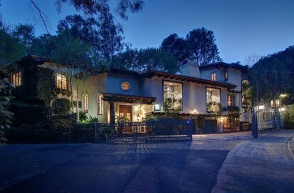Johnny Depp's House:  Hollywood's Former Bad-Boy Buys His Ex a $4.4 Million House