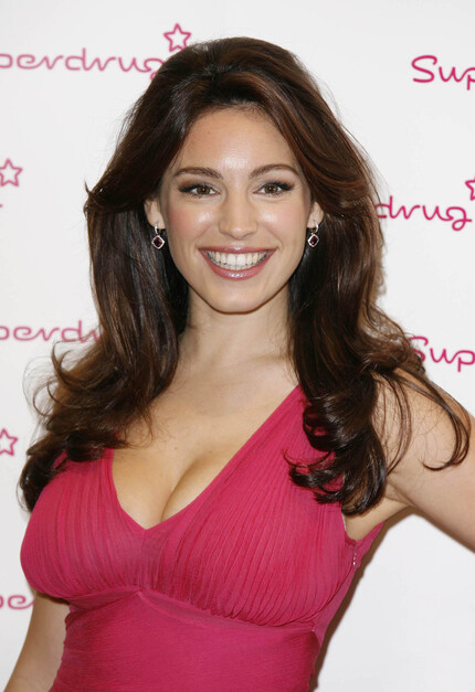 Kelly Brook Red Carpet