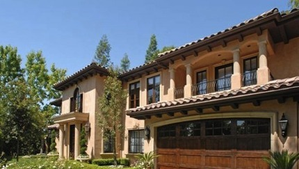 Kim Kardashian's House:  Preparing for Motherhood... By Selling Off a $5 Million Mansion
