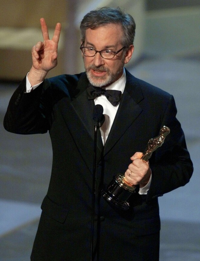 spielberg thumb up