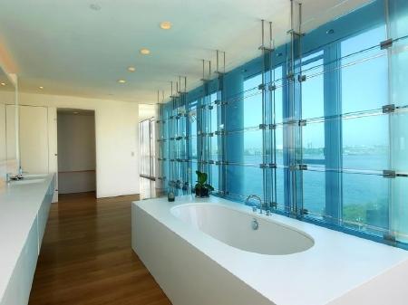 Hugh Jackman Bathroom