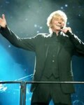 Barry Manilow in Barry Manilow: Copacabana