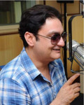 Vinay Pathak in Manorama Six Feet Under