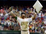 The Time Ricky Henderson Framed A $1 Million Check… Instead Of Cashing It.