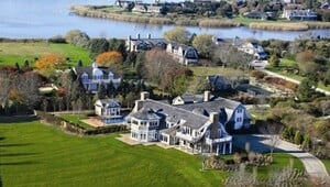 Thumbnail for Jennifer Lopez's New Hamptons Mansion