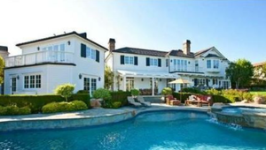 Thumbnail for Gordon Ramsey's House: A Calming $6.75 Million Retreat for the Notoriously Angry Chef