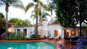 Thumbnail for Marilyn Monroe's Home: Her $3.5M Final Resting Place