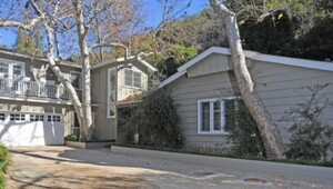Thumbnail for Billy Bob Thornton's House:  The Former Mr. Angelina Jolie Buys a Secluded Home in LA