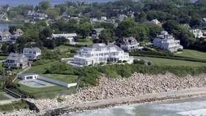Thumbnail for Taylor Swift's House:  The Fickle Songstress Pays In Cash