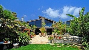 Thumbnail for Goldie Hawn's House:  The Perenially Sunny Actress Unloads a Sunlit Malibu Mansion