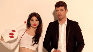 Thumbnail for How Robin Thicke Rose From Rich Kid Of Beverly Hills To R&B's Secret Weapon