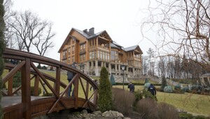 Thumbnail for Finally Revealed! Photos From Inside Ukrainian President's Top Secret $100 Million Palatial Estate