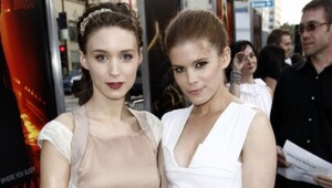 Thumbnail for Rooney And Kate Mara Probably Have Very Good NFL Tickets - Wanna Know Why?
