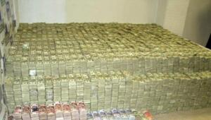 Thumbnail for The Insane Story Behind The Largest Drug Cash Seizure Of All Time - $226 Million Found In A Bedroom
