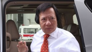 Thumbnail for Thomas Kwok - One Of The Richest People In Asia - Is About To Go To Jail For A Long Time