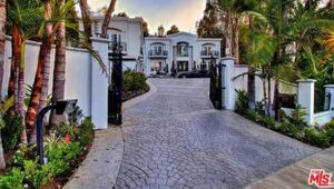 Thumbnail for Manny Pacquiao Drops $12.5 Million To Buy Diddy's Former Beverly Hills Mansion