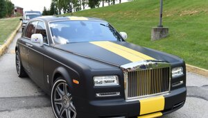 Thumbnail for Antonio Brown Arrives At Steelers Training Camp In Half Million Dollar Rolls-Royce