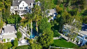 Thumbnail for Paula Wagner And Rick Nicita Sell Beverly Hills Compound For $10.8 Million